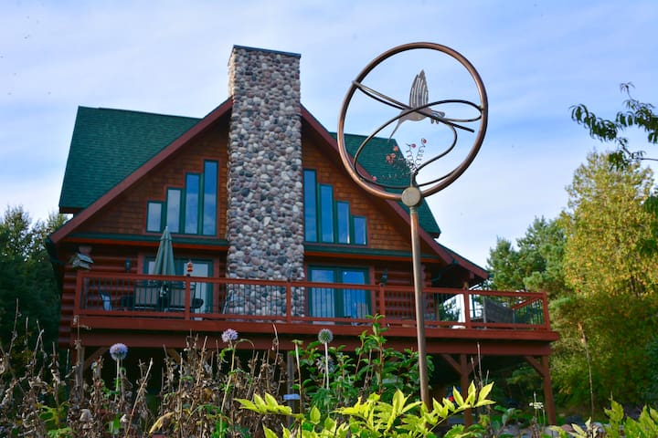 Fishtown Lodge - Your Perfect Northern Get Away!