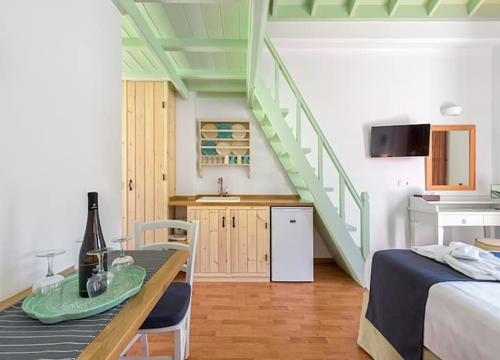 Family Apartment with Sea View B