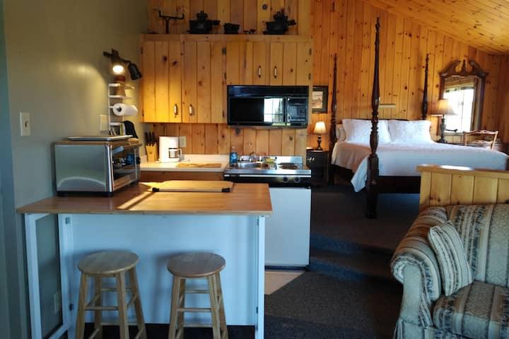 Chalet Amherst Shore Inn