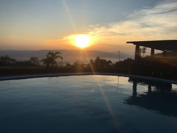 Costa Rica Mountain Lodge. Casa Gándalo.