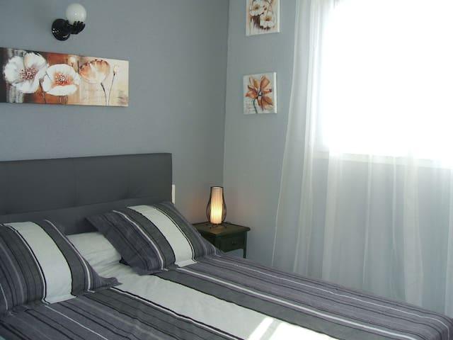 Chambre de l'étage (avec lit 160 x 200).