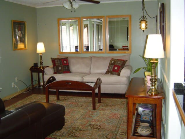 Quiet, Clean Condo near Gulf Coast! - Diamondhead - Apartamento