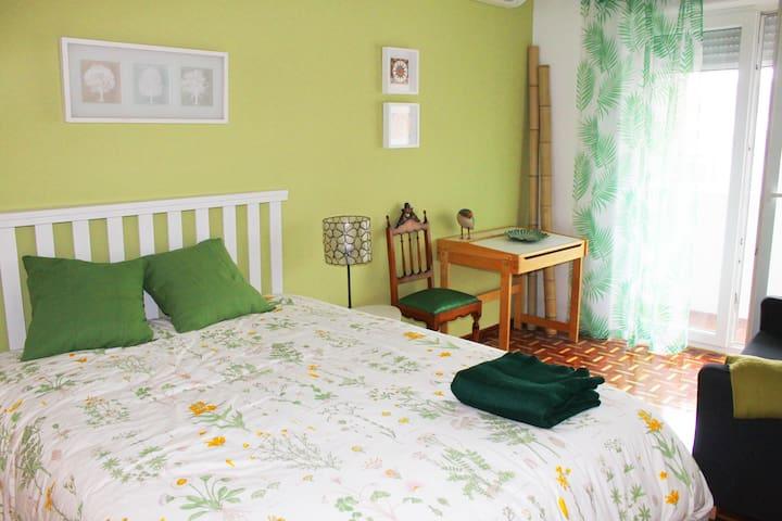 Entre Campos: Campo Grande - Green Double Bedroom