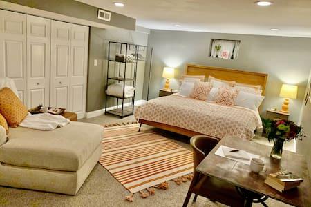 *NEW*Broadmoor/Cheyenne Mtn. Family Fun or Romance