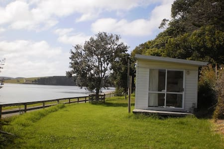 Cabin on the Kaipara Harbour. - Maungaturoto