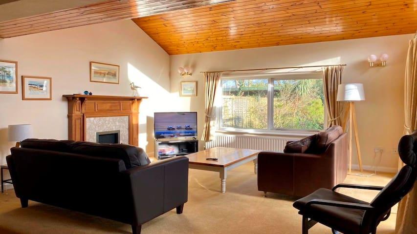 BOURNECOAST: House in Mudeford with garden -HB6277