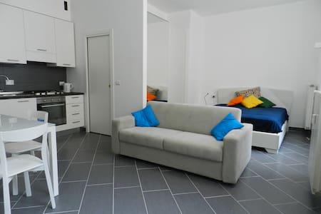 Monolocale in centro a Torino - Studio apartment - Apartamento