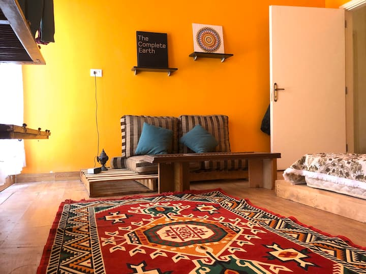 Cozy & Funky Private room in Tripoli