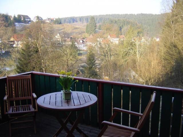 Zwischen Berg und Bach