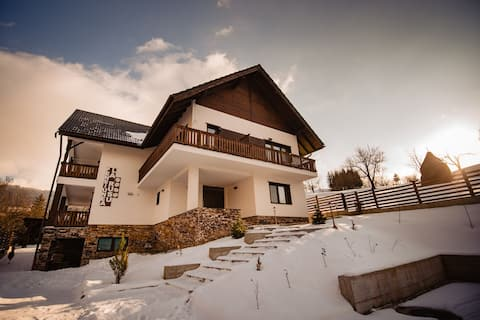 Brand new villa with top facilities
