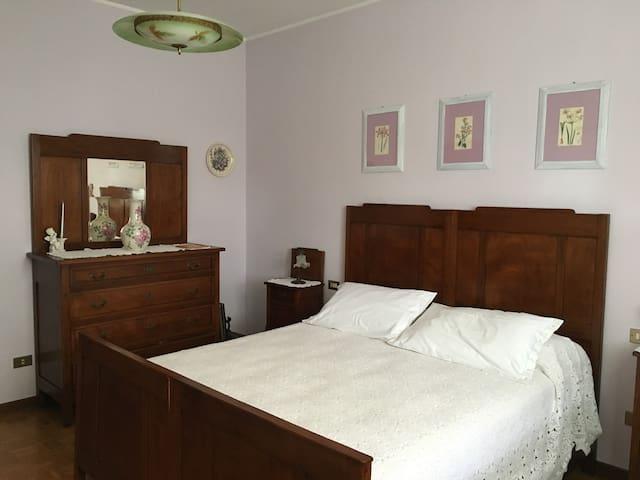 Villa Lidia,stanza rosa