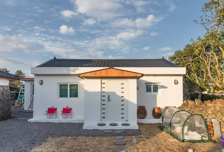 'Cho' Cozy&tidy traditional house - type 'East'
