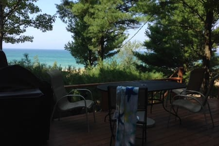 4BR Private Beach Cottage - Stuga