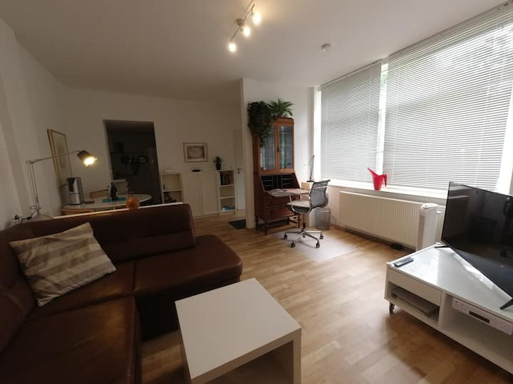 """"""" Oberkassel, quiet apartment, good location """""""