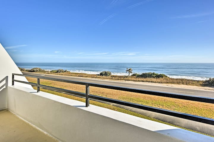 Romantic Oceanfront Townhome-Walk to Flagler Beach