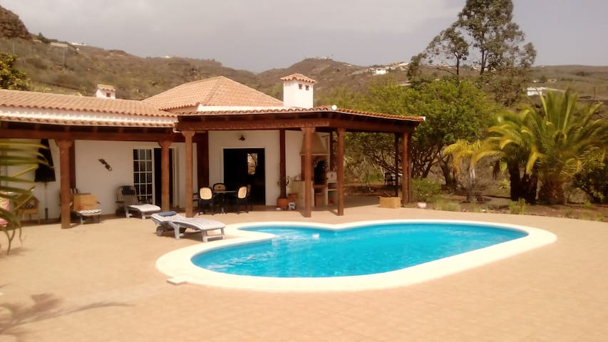 Beautiful  & private Guest House in a big Villa . - Adeje