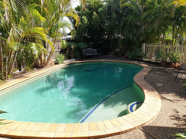 Tropicana House - Your own private swimming pool