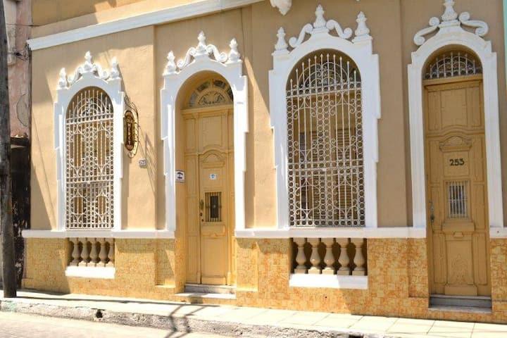 Casa Mercy 1938 - Vivir el Pasado-II