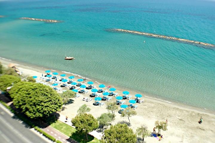 Modern side sea view beach apartment OCEANA