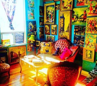Stunning Art Lovers Rock'nRoll Apt! - Toronto - Apartment