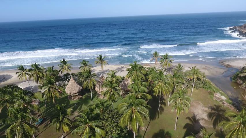Playa Brava Teyumakke Parque Tayrona Familiar