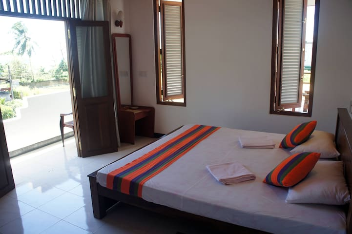 Sam's Guest House- Last Minute Booking- 30% Off