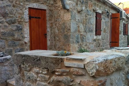 Three bedroom house with terrace Vrbanj, Hvar (K-11040) - Vrbanj