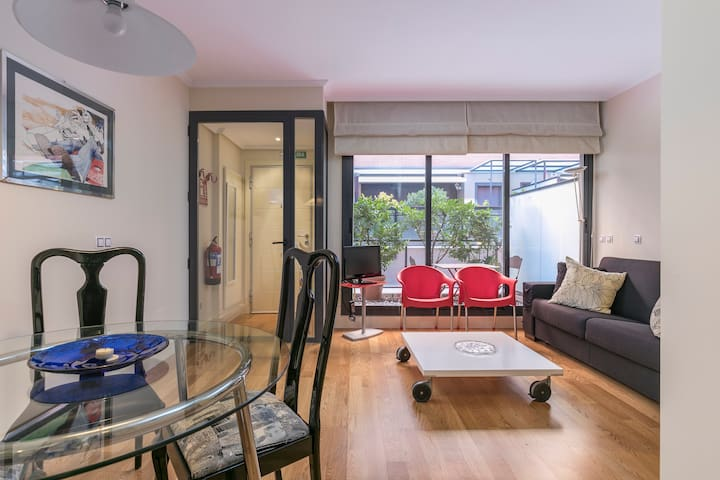 Studio of 40m2 with patio in VENTAS - Metro L2