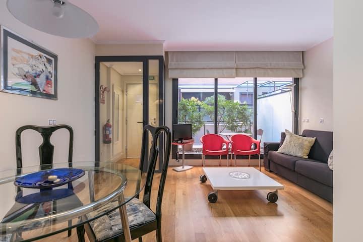 Studio of 40m2 with patio in VENTAS - Metro L2