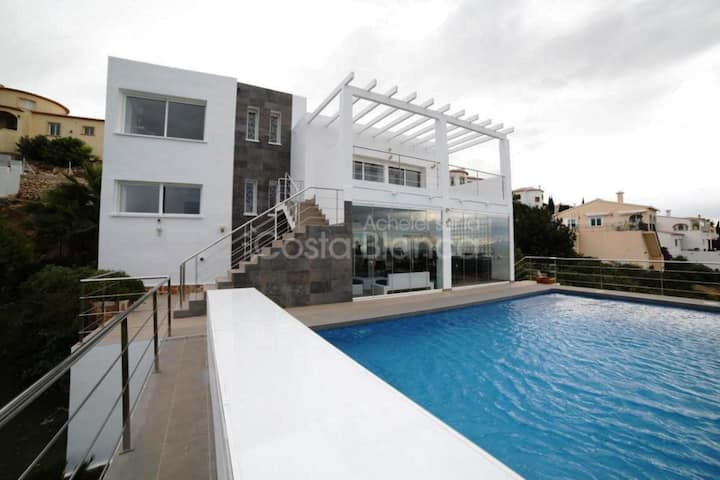 Modern Villa with private pool with 15mn of Denia