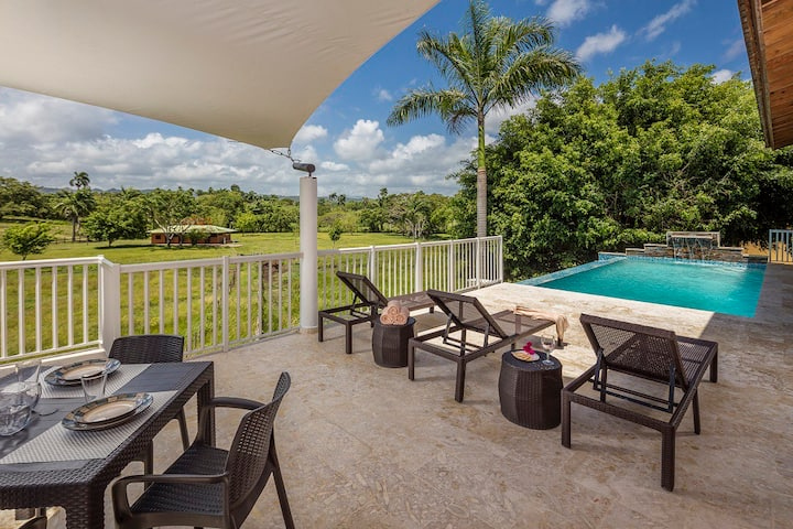 Fantastic Private Villa in Upscale Gated Community