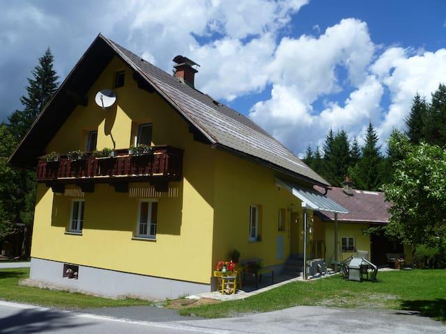 Gemütliches Ferienhaus am Waldrand