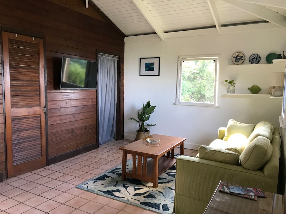 Rustic Garden Cottage Guesthouses For Rent In Saint