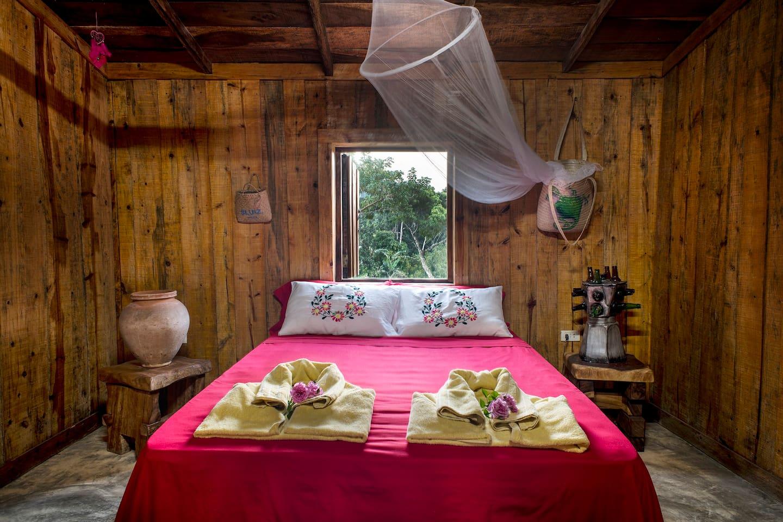 habitación ecológica .Confort y vienestar tranquila y relajarte                                                Ecological Room.Comfort and well–being  clam relaxing