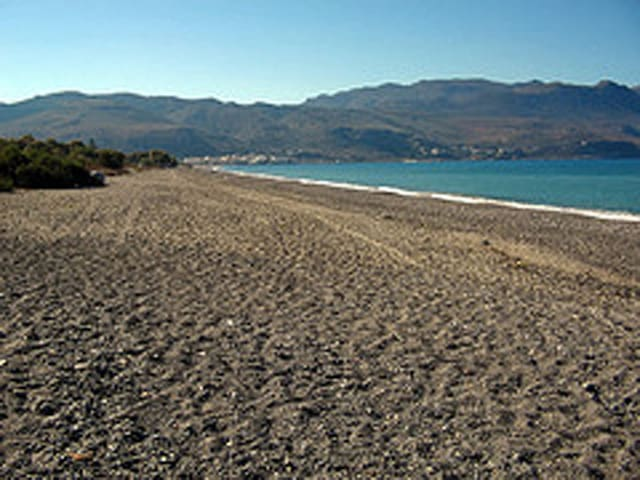 Vacation Apartment - 24km from Chania