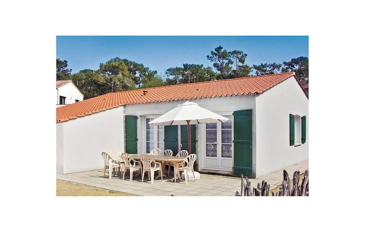 Holiday cottage with 4 bedrooms on 90m² in La Tranche sur Mer