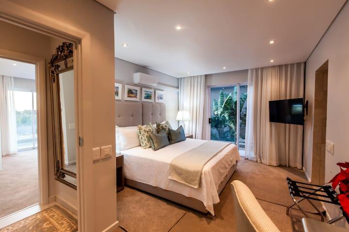 4th Bedroom Air-conditioning underfloor Heating Flat screen Satellite TV