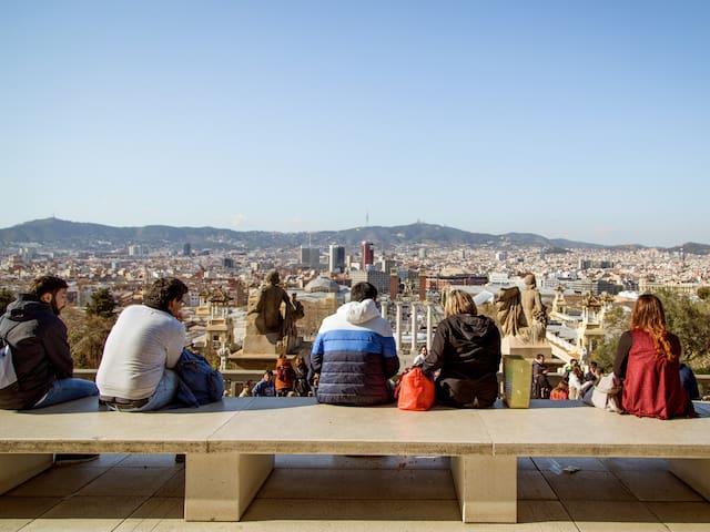 Sants-Montjuïc'de yaşayın