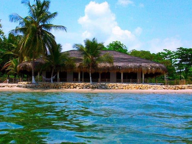 Rustic Beach House Bora Bora
