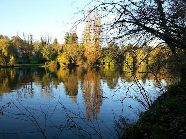 Au bord de l'eau au cœur parc ch 2 - Choisy-au-Bac - Bed & Breakfast