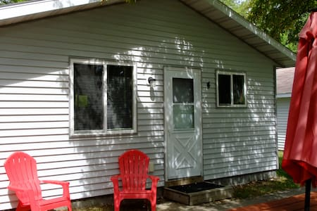Beautiful Lake Belle Taine Two Bedroom Cabin-4
