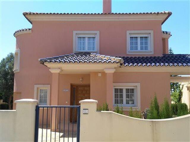 Villa 2 chambres piscine privé en Espagne