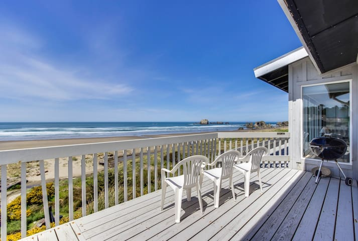 Dog-friendly, oceanfront home w/ beach access, deck - only minutes from town
