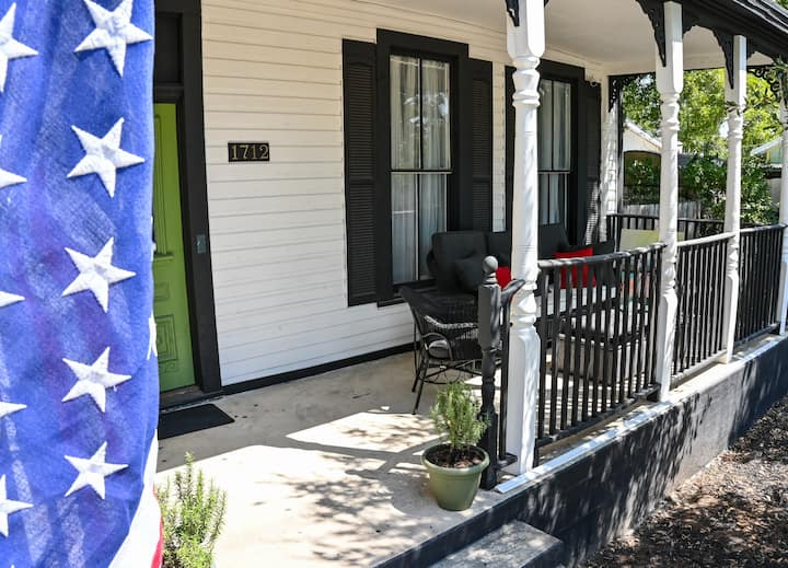 On the Porch of the Pearl: a Small Family Retreat