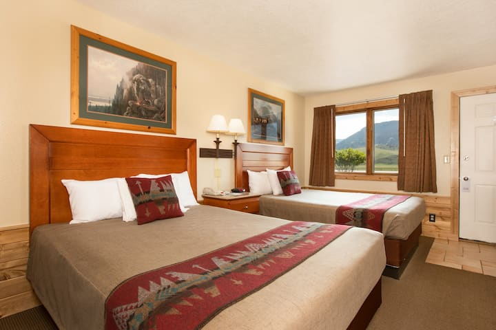 Quaint Motel Room with Mountain & Elk Views