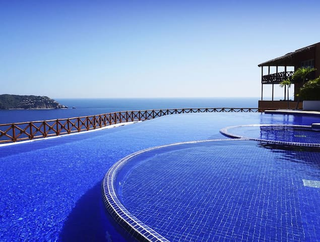 Luxurious apartment in Acapulco with Sea Club