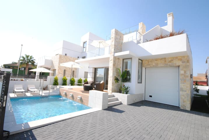Luxury Villa4you