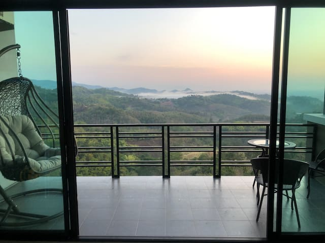 Feel the Breeze at Baan Taklom