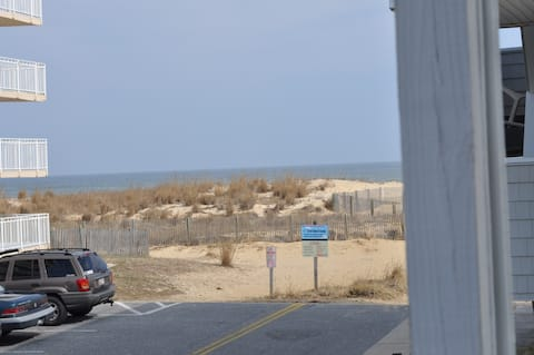 Unit 1 on 41 St Ocean Side 50 steps to beach