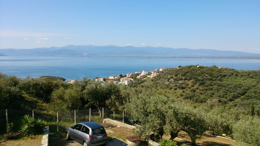 Villa on the top of the Hill. !!!AMAZING VIEW!!! - Nea Anchialos - Appartement